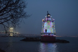 Lighthouse Holiday w Bridge low res